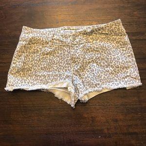 Grey/ cream leopard shorts